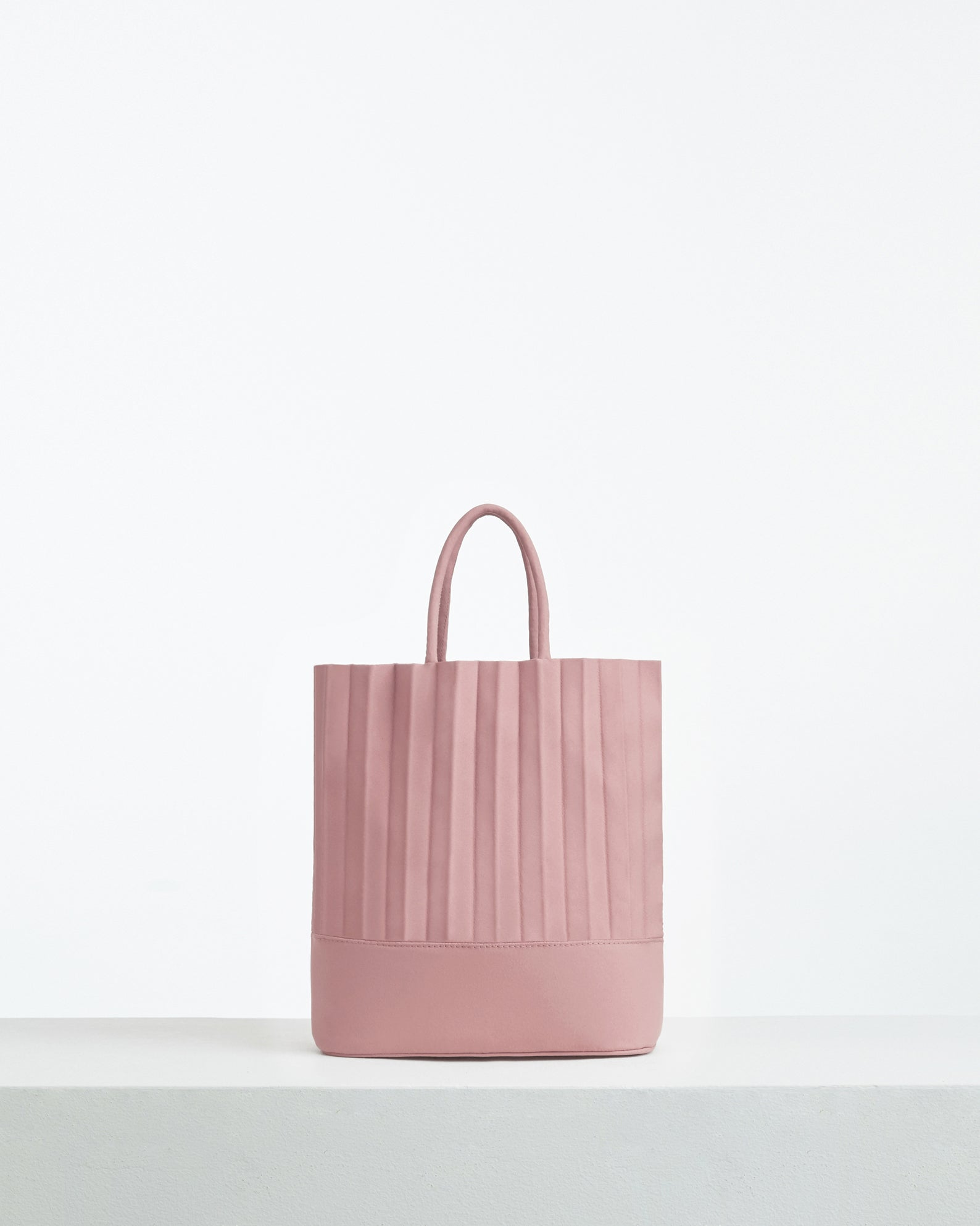 aPacklet (Pitcher) | Handbag in Rose Pink