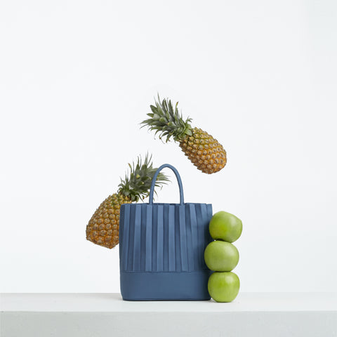 aPaddy (Pitcher) | Bucket bag in Marine Blue