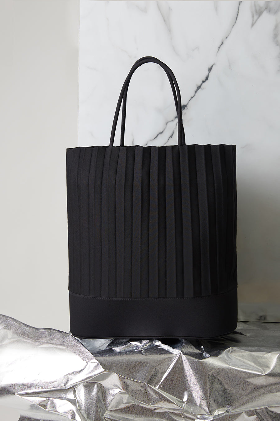 aPacklet (Large) | Handbag in Black