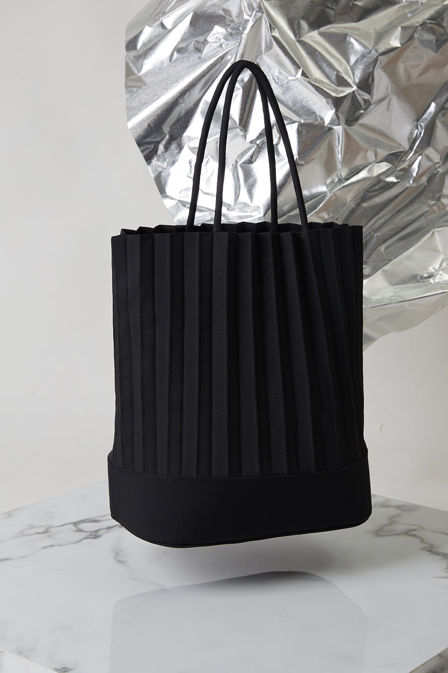aPacklet (Regular) | Handbag in Black