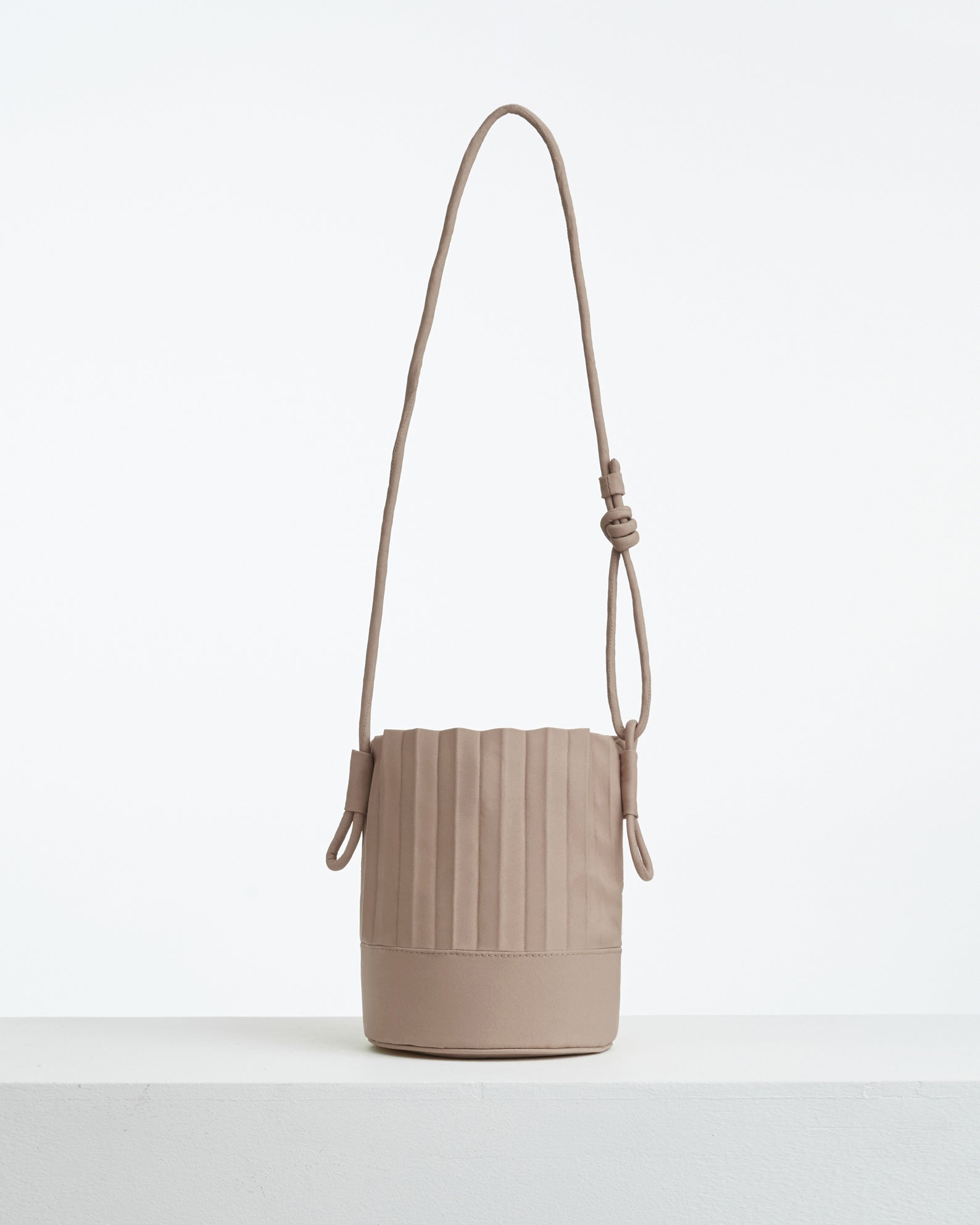 aPail (Pint) | Bucket bag in Light Grey