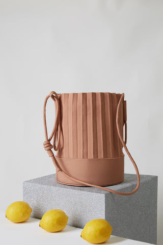 aPail (Pint) | Bucket bag in White