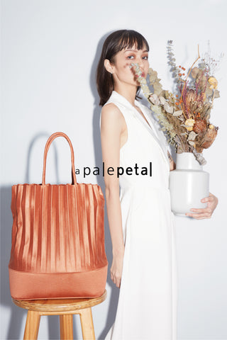aPail (Satin) | Bucket Bag in Ginger