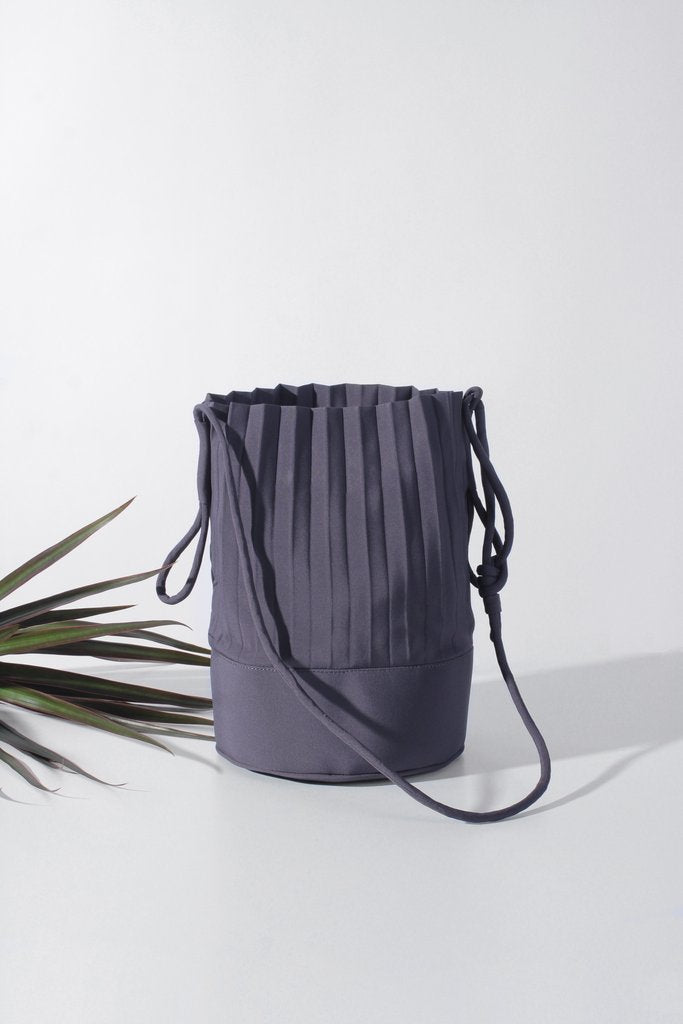 aPail | Bucket bag in Dark Grey