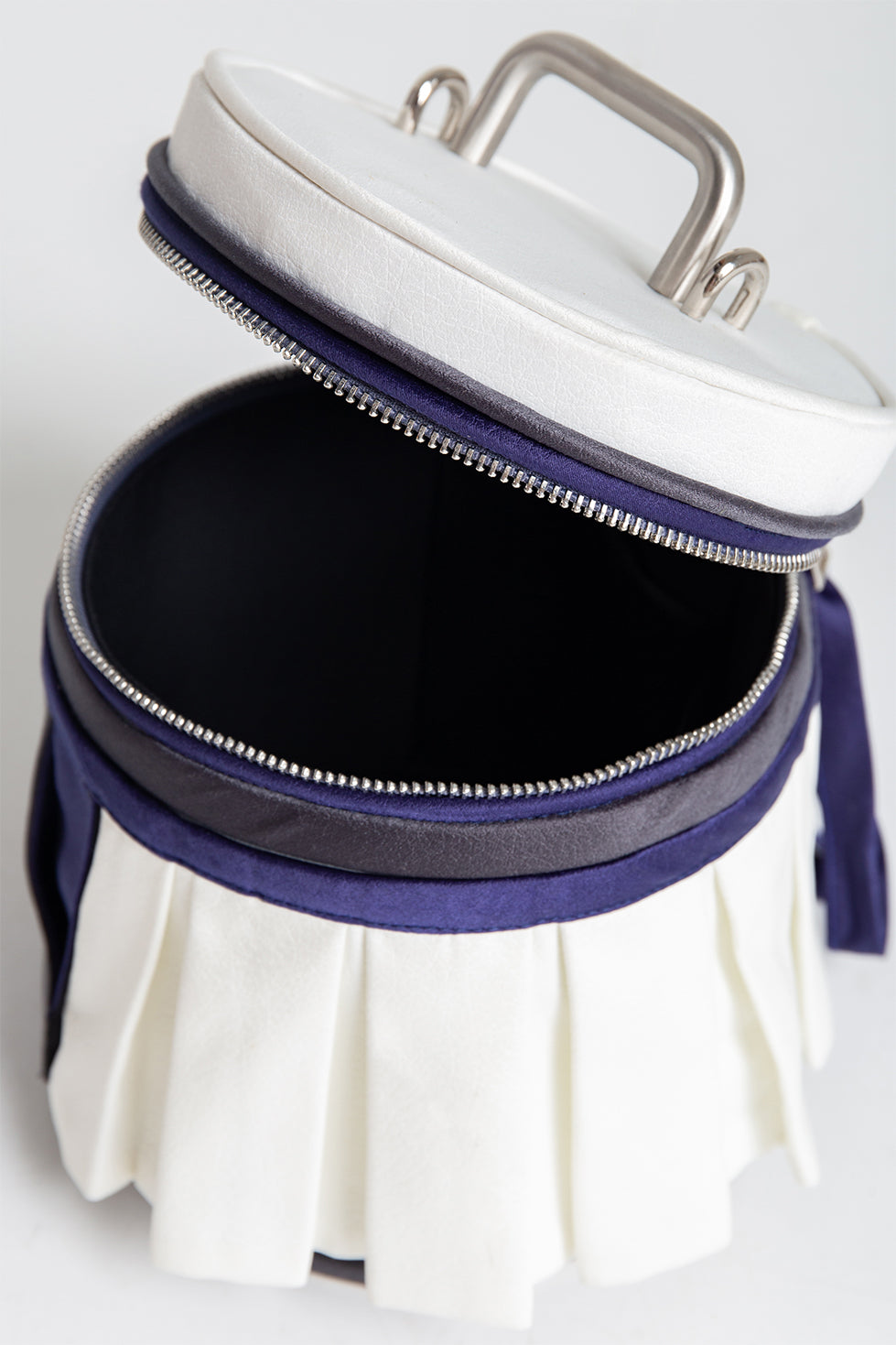 Mini Stool Bucket Bag in White/ Blue