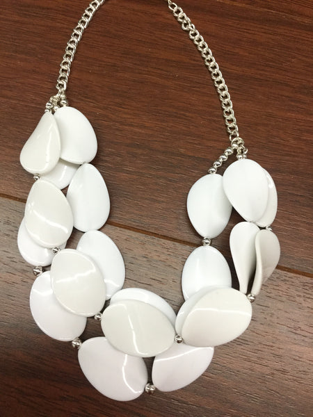 Necklace set white discs