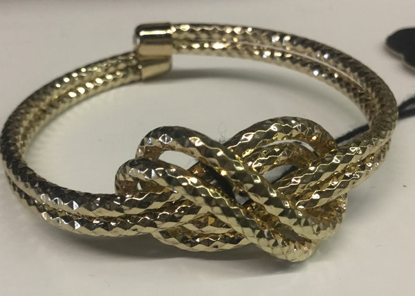 Gold twisted knot design bracelet