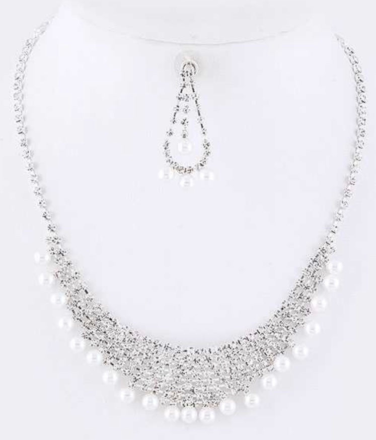 Pearl rhinestone collar necklace set