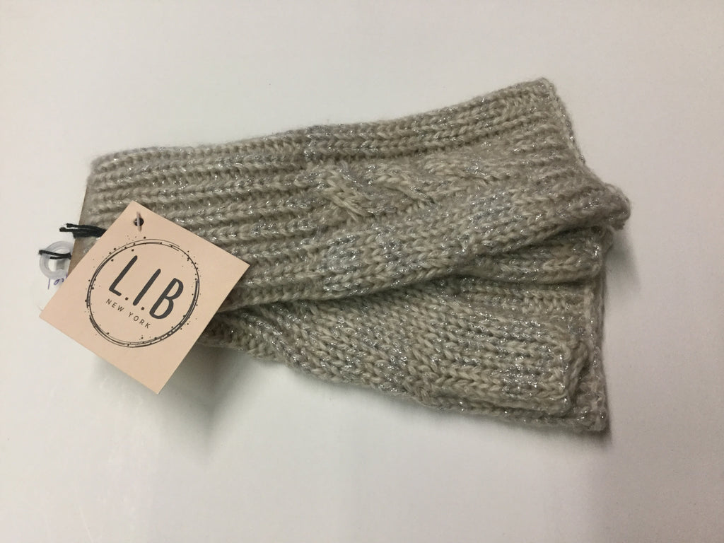 Beige cable knit fingerless gloves