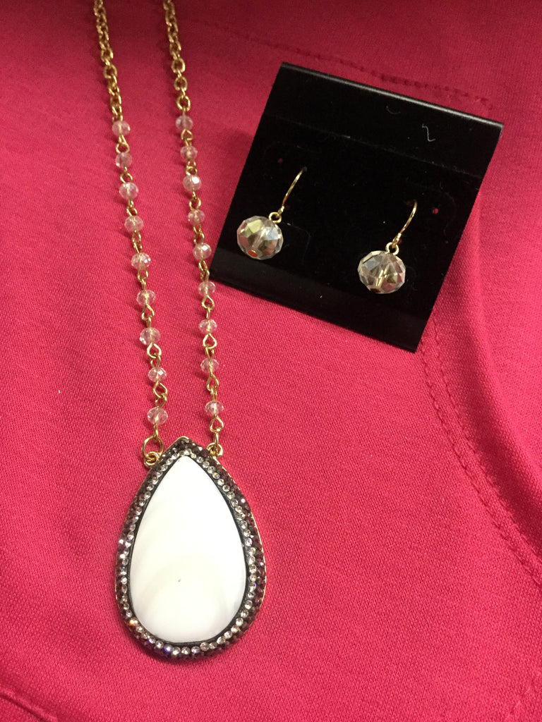 Necklace set ivory enamel tear drop 24 inch chain