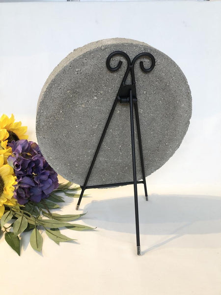 Black Easel stepping stone Stand