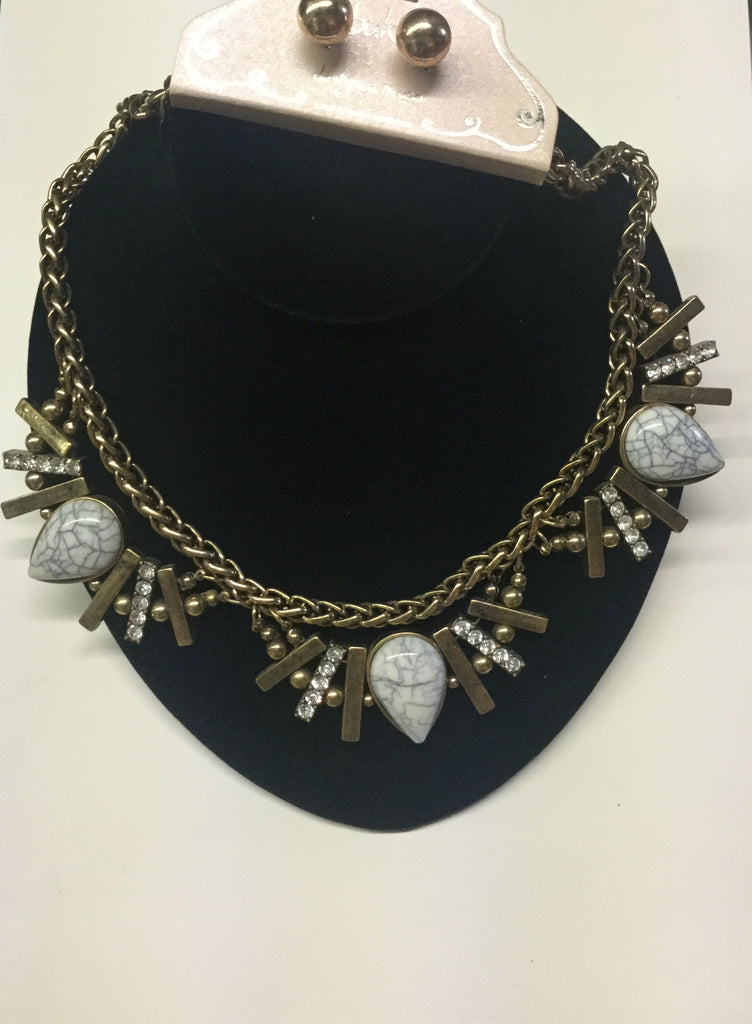 White marble and gold statement necklace set