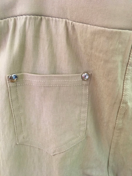 Khaki jegging with pockets