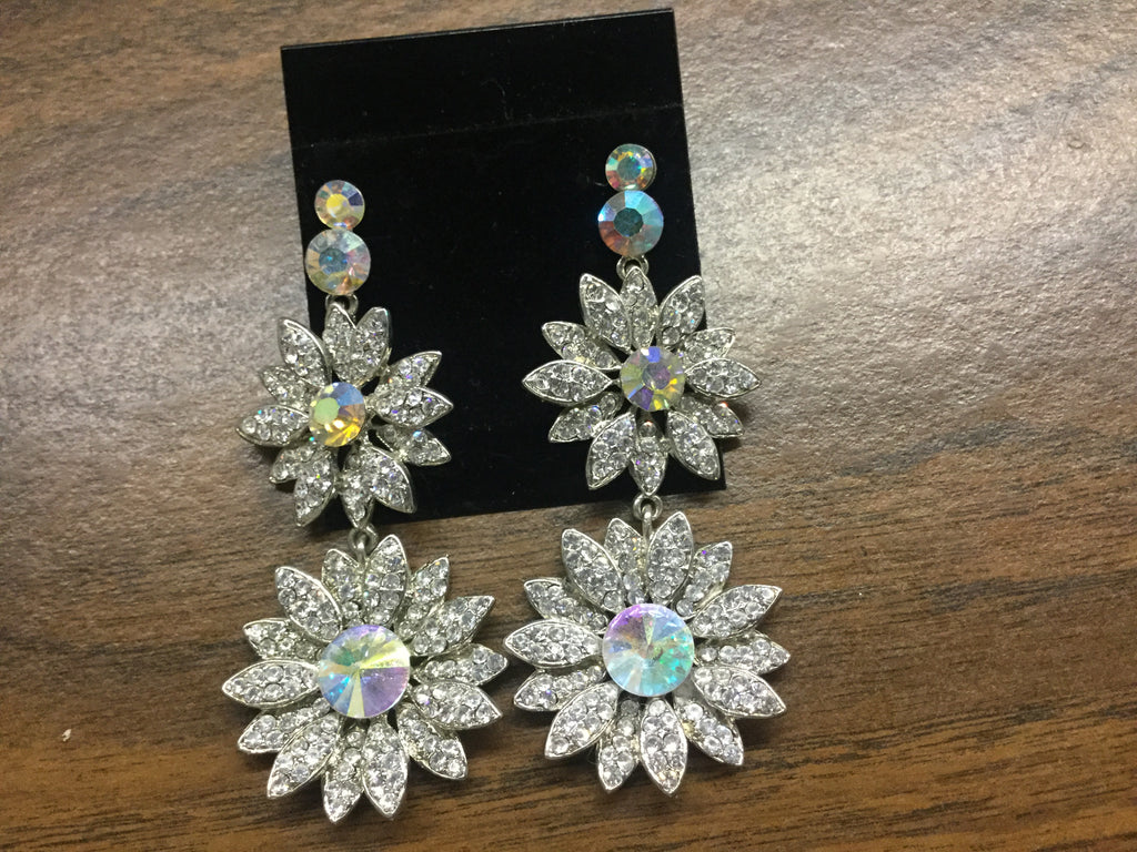 AB accented rhinestone flower shaped pierced earrings
