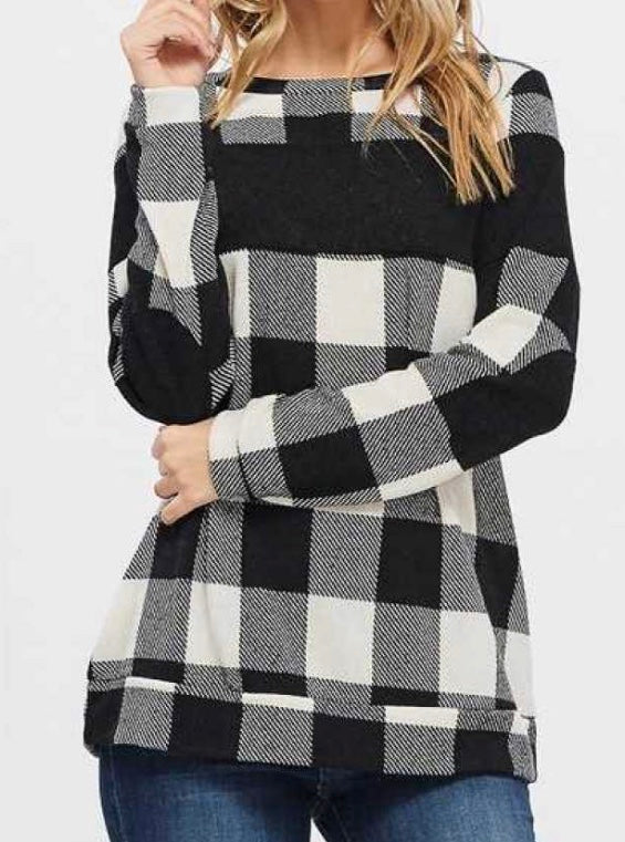 Plaid black buffalo pullover PLUS