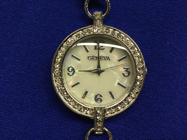 Watch silver with large pearls rhinestone trim face
