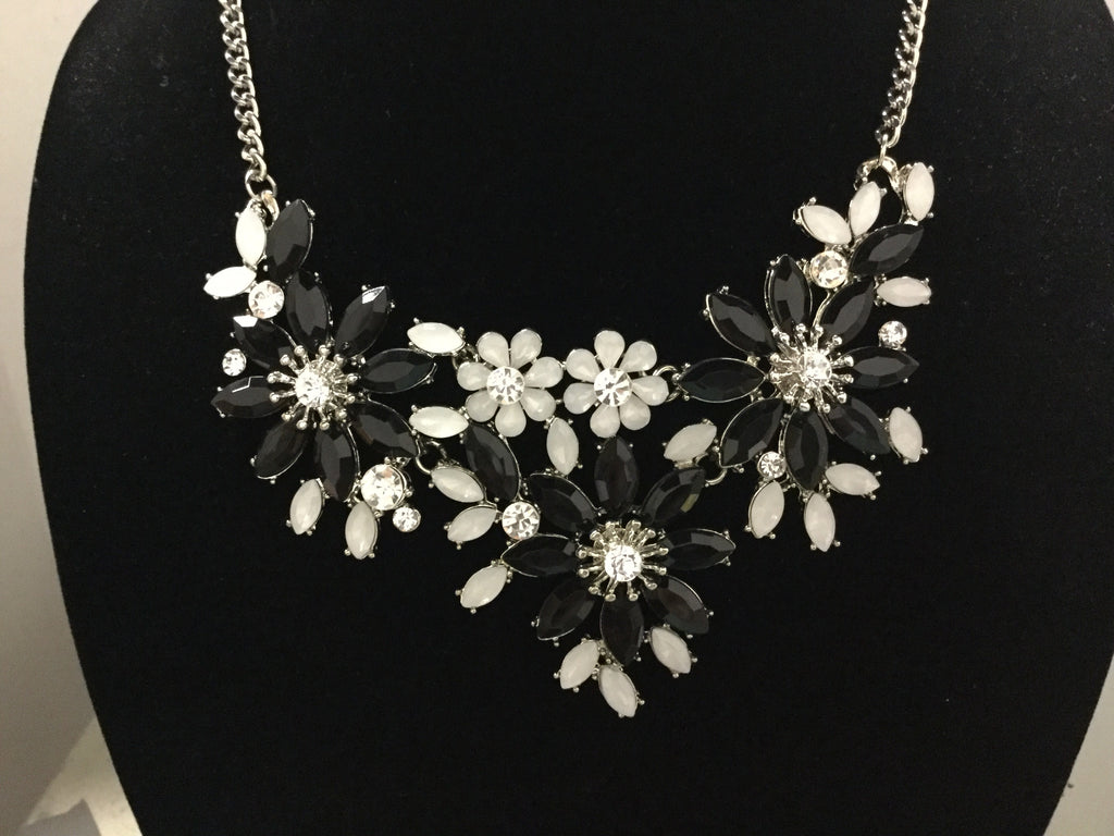 Black white floral rhinestone Necklace