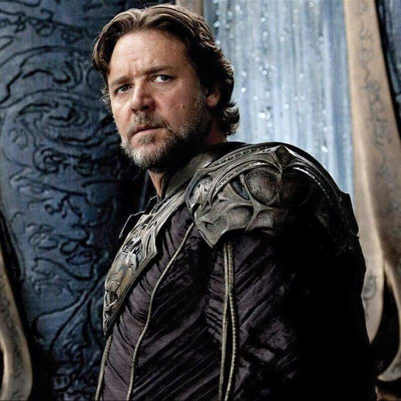 Frankie's News Break: Who Will Russell Crowe Play in Thor 4?; #RestoretheSnyderverse Keeps Trending