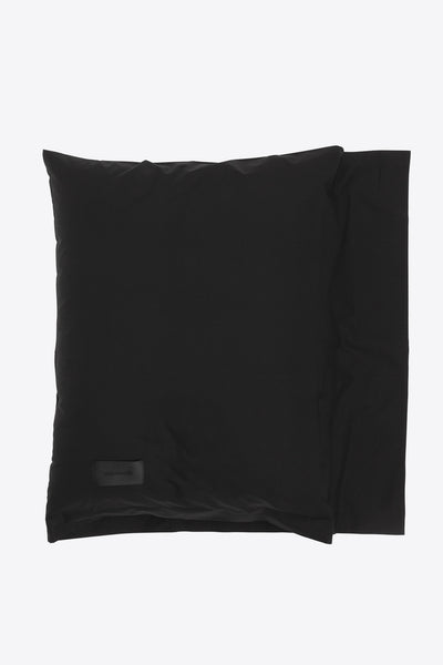 One <br> Pillow case <br> Poplin <br> Black