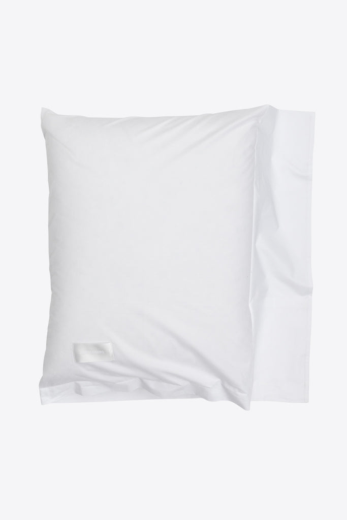 One <br> Pillow case <br> Poplin <br> White