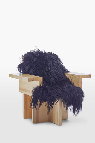 Horse <br> Armchair <br> Pine Wood <br> Sheep skin Black