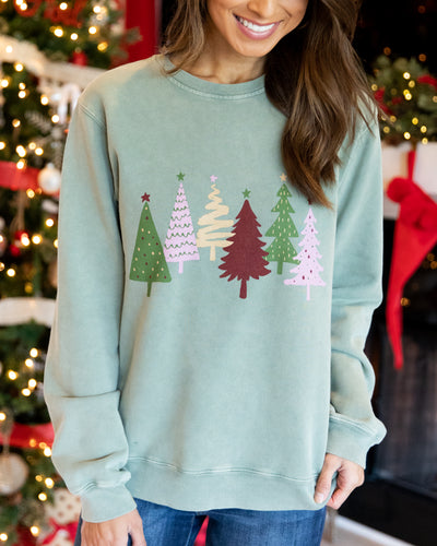 At The Christmas Tree Farm Cotton Graphic Pullover - Vintage Olive