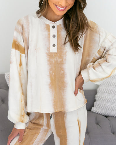 Chill Worthy Top - Camel/Off White
