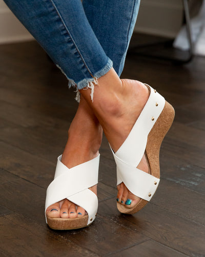 Chinese Laundry Kenzie Slip On Wedge - White