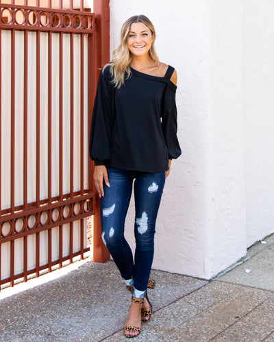 Give 'Em The Cold Shoulder Top - Black