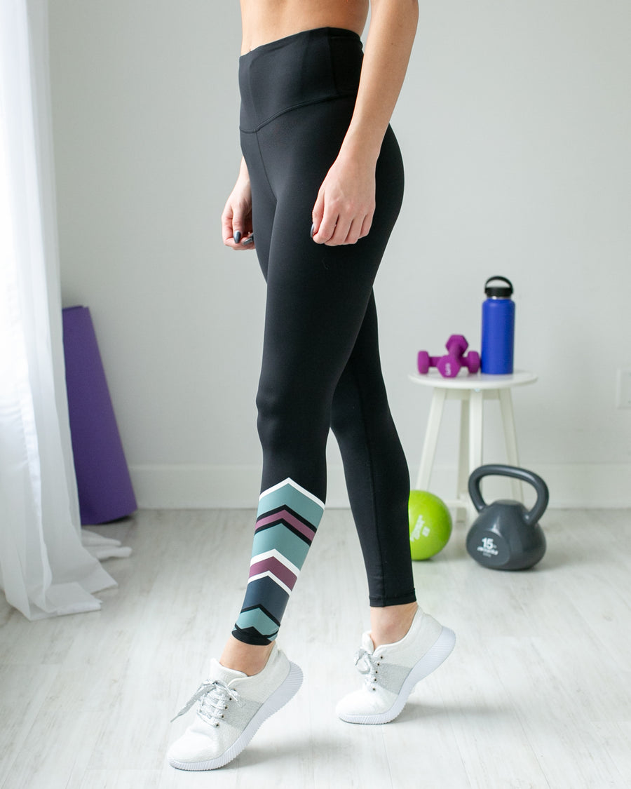 High Energy Asymmetrical Stripe Legging - Black