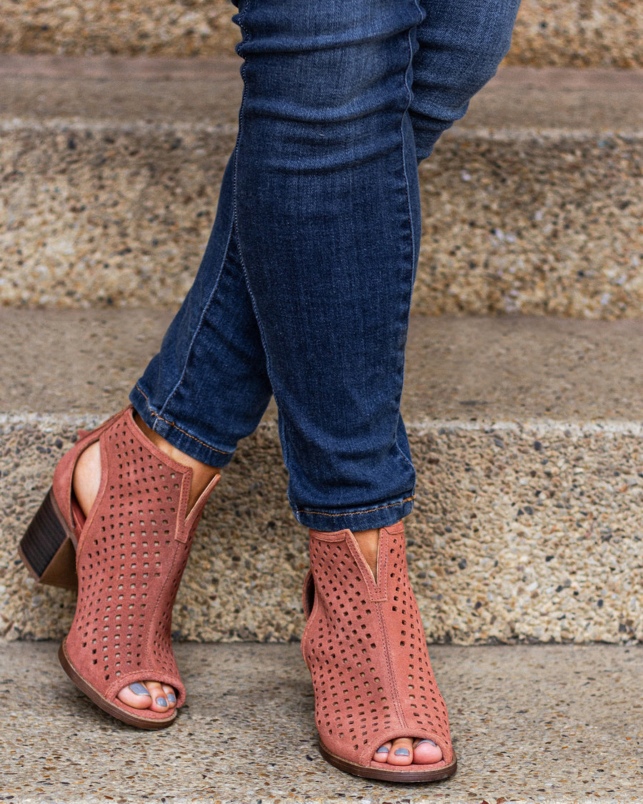 Dirty Laundry Harley Booties - Cinnamon