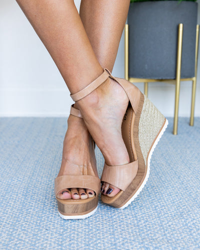 Jenna Crocodile Wedge - Tan