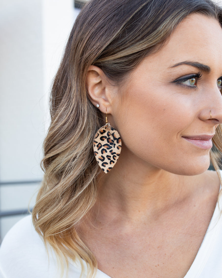 Juliette Leopard Earrings - Tan