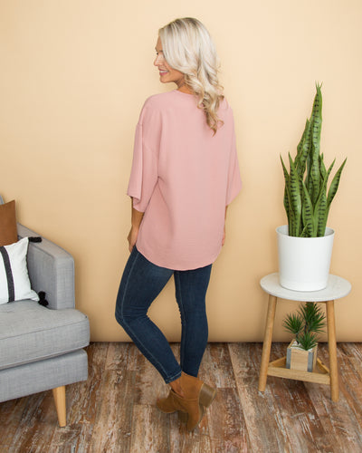 Love Doesn't Give Up Pocket Knot Top - Mauve