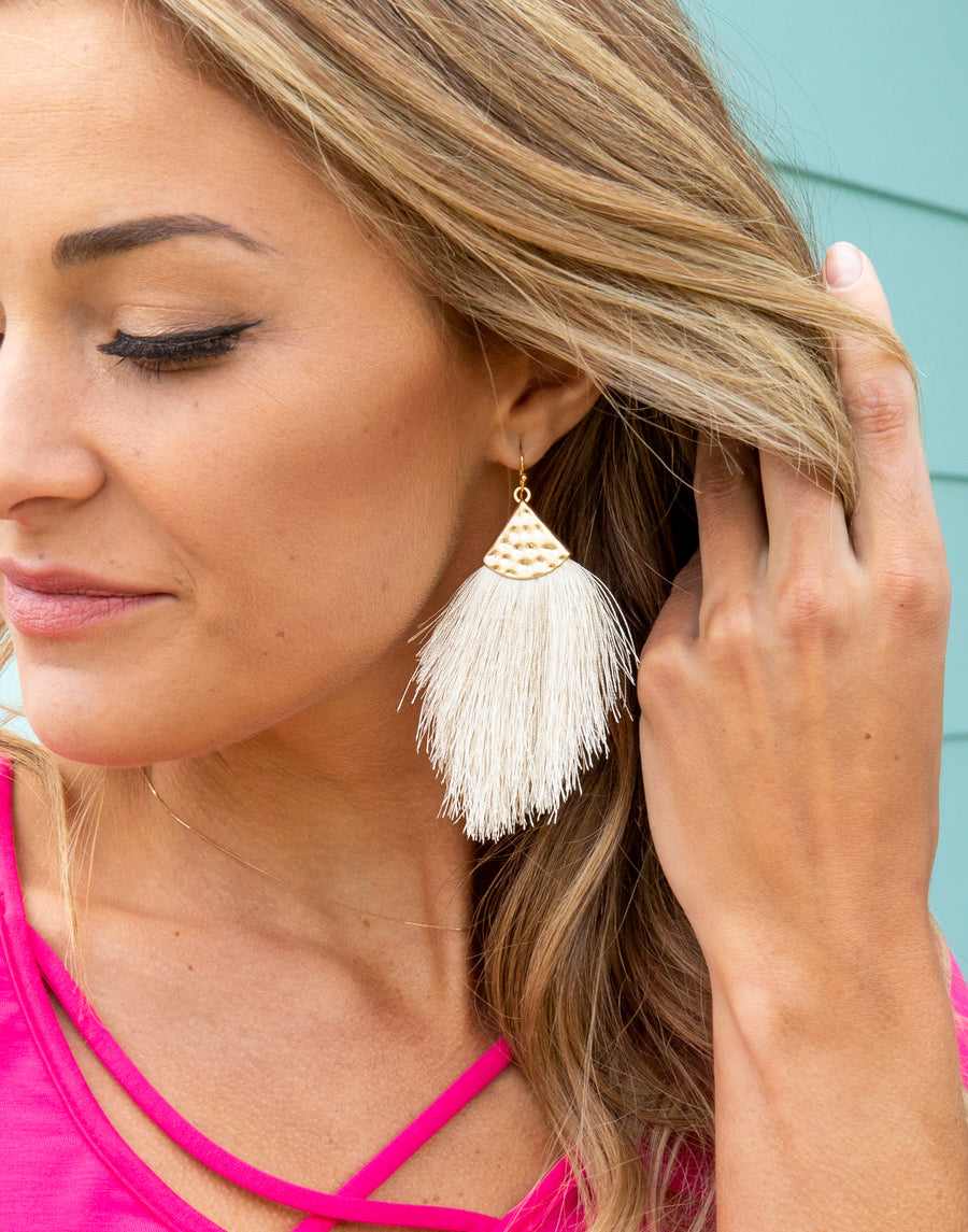 Penelope Feather Earrings - Oatmeal