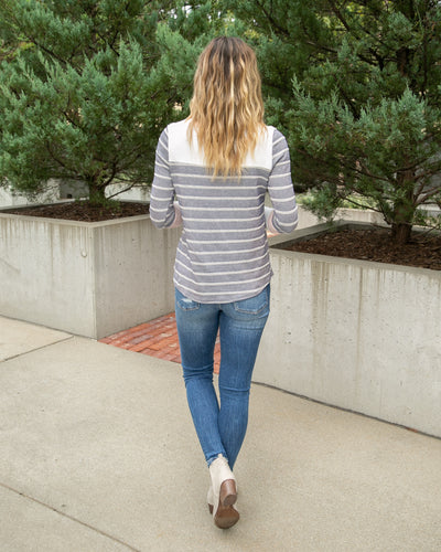 Simple Routine Top - Navy/Pink