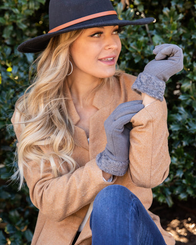 Sipping Cocoa Sherpa Gloves - Grey