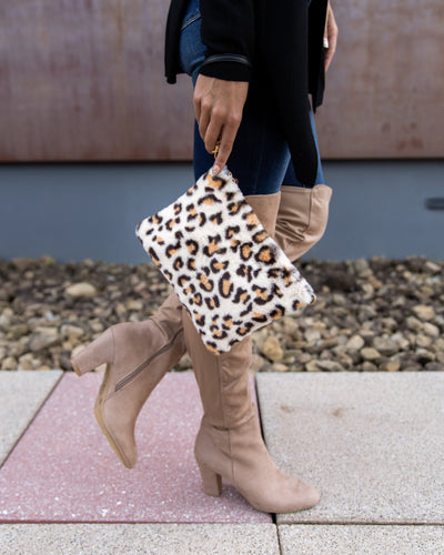 Tegan Leopard Clutch - Off White