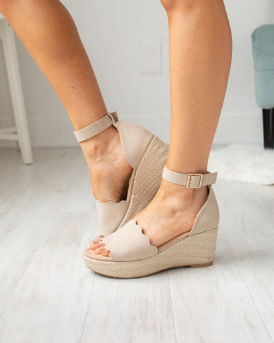Chinese Laundry Tilley Flatform Sandals - Natural