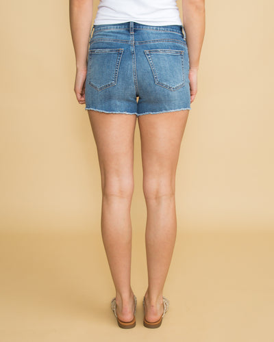 Victoria Frayed Shorts - Medium Wash