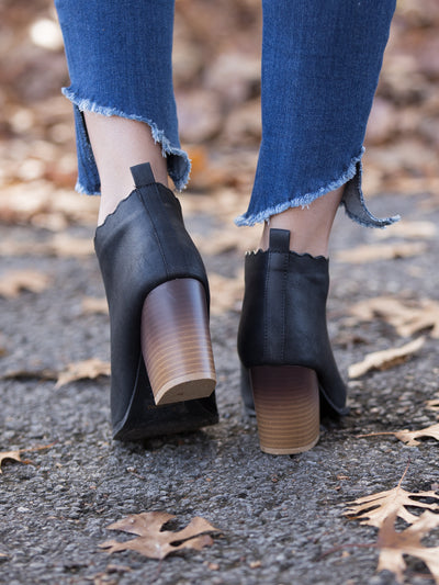 Savannah Scalloped Bootie - Black