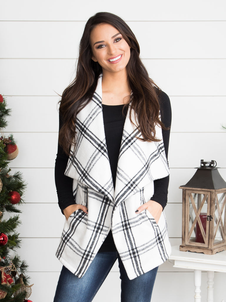All Eyes On You Plaid Vest - Black/Off White