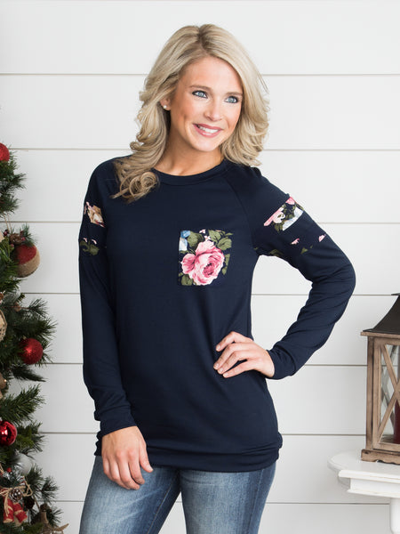 Change Of Pace Floral Pocket Top - Navy
