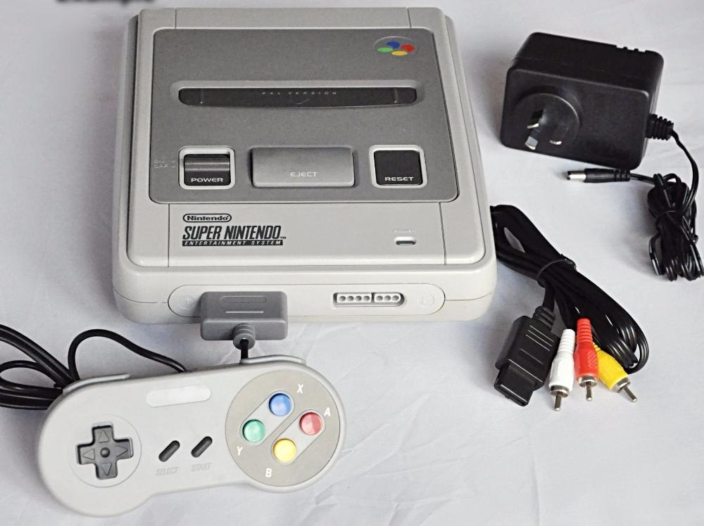 Console | Nintendo SNES with cables