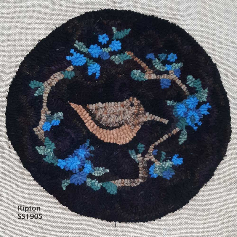Ripton Chair Pad - Seaside Rug Hooking Company Pattern