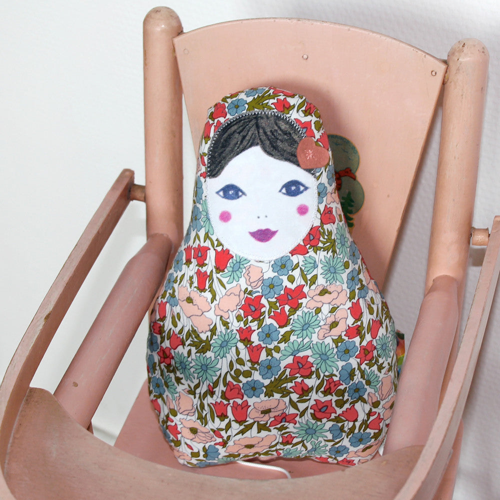 Matryoshka Doll Music Box 'Hey Jude'