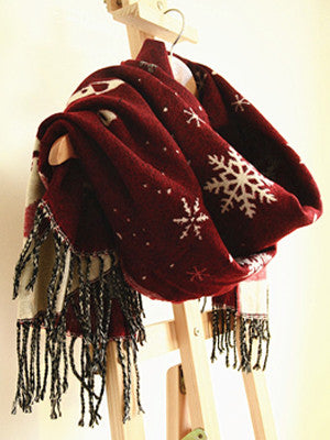 Christmas Snowflake Print Blanket Scarf with Tassels - FIREVOGUE