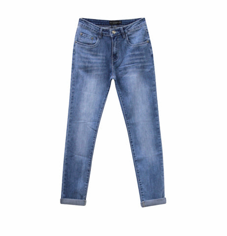Country Denim Girlfriend Jean - Mid Wash