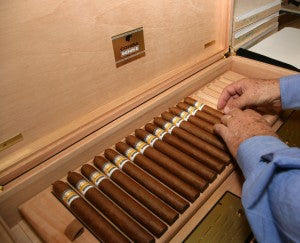 storing cigars in a humidor