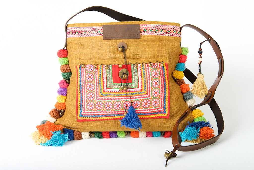 23ced72a8480 Roman Holiday - Vintage Boho Shoulder Bag in Caramel Hemp With One Of A  Kind Multi ...